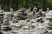 Steinmännchen, Mount Aspiring Nationalpark, Hasst Pass, West Coast, Südinsel, Neuseeland, Ozeanien