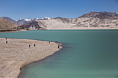 Lake Bulunkou in the Chinese Pamir, old trade route between Kashgar and Taskurgan, China