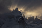 Berge bei Sonnenuntergang, Torres Del Paine, Nationalpark Torres Del Paine, Patagonia, Chile