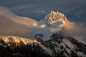 Berge, Paine-Massiv und Kordilleren Paine, Torres del Paine, Nationalpark Torres del Paine, Patagonia, Chile
