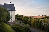 Blick vom Arno-Lippmann Schacht zur Altenberger Pinge, UNESCO Welterbe Montanregion Erzgebirge, Altenberg-Zinnwald, Sachsen