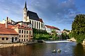 on the Vltava river with Veitskirche, Krumau on the Vltava, South Bohemia, Czech Republic