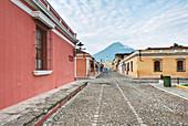 Calle Del Arco, Antigua, Guatemala