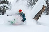 Snowboarder in Aktion, Hochzillertal, Tirol, Österreich