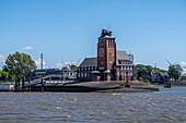 Lotsenhaus Seemannshöft an der Einfahrt zum Hamburger Hafen, Hamburg, Norddeutschland, Deutschland