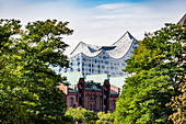 Elbphilharmonie und Speicherstadt in Hamburg, Norddeutschland, Deutschland