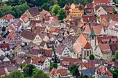Tiefblick auf Neuffen, von Hohenneuffen, Albtrauf, Schwäbische Alb, Baden-Württemberg, Deutschland