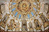 Altar und Kirchenkuppel der Kirche im Kloster Ettal, Barock, Kloster Ettal, Ettal, Ammergauer Alpen, Oberbayern, Bayern, Deutschland