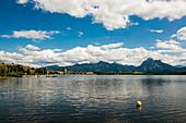 Hopfensee, Hopfen am See, bei Füssen, Ostallgäu, Allgäu, Bayern, Deutschland
