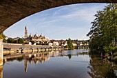 France, Dordogne, Perigord Blanc, Perigueux, Saint Front Byzantine Cathedral, stop on Route of Santiago de Compostela, listed as World Heritage by UNESCO, reflections in Isle River