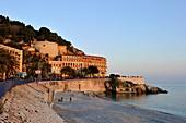 France, Alpes-Maritimes, Nice, quai Rauba Capeu, pointe des Ponchettes and thé Bellanda tower