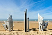 France, Calvados, Saint Laurent sur Mer, Omaha Beach, historic place of the Normandy Landings, memorial Les Braves by Anilore Banon for the 60th anniversary of the Landings, 15 tonnes of steel to honor the courage of the Allied Forces soldiers
