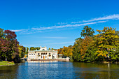 Königlicher Garten, genannt Lazienki Krolewskie, Palast am Wasser, Warschau, Polen, Europa