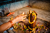 2019, Ter Kadamba, Govardhan, Vrindavan, Uttar Pradesh, India, Shiva Temple Asheshvara Mahadeva, worship of the Shiva Lingam with light