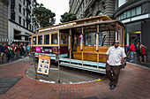 Operation of the old tram cable car in San Francisco, USA