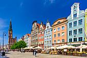 Gdansk, Main City, old town, Dlugi Targ street (Long Market), City Hall with tower. Gdansk, Main City, Pomorze region, Pomorskie voivodeship, Poland, Europe