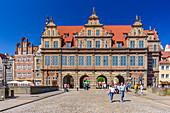 Gdansk, Main City, old town, old motlawa canal. Zielona (Green) gate. Gdansk, Main City, Pomorze region, Pomorskie voivodeship, Poland, Europe
