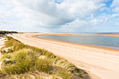 Norfolk Coast Path National Trail bei Holkham Bay, Norfolk, Ostanglien, England, Vereinigtes Königreich, Europa