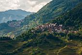 Entlegenes Dorf in der Yunnan-Provinz von China nahe den Yuanyang-Reisterrassen, Yunnan-Provinz, China, Asien