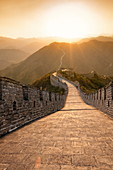Chinesische Mauer, UNESCO-Weltkulturerbe, Huanghuacheng (gelbe Blume) bei Sonnenuntergang, Ming-Dynastie, Jiuduhe Zhen, Huairou, China, Asien