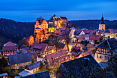 Illuminated Hohnstein Castle with place Hohnstein, Hohnstein, Elbe Sandstone Mountains, Saxon Switzerland National Park, Saxon Switzerland, Saxony, Germany