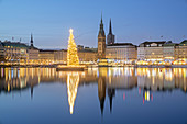 Christmas tree on the Inner Alster behind the Christmas market on the Jungfernstieg, old town, Free Hanseatic City of Hamburg, Northern Germany, Germany, Europe