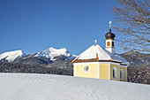 Maria Rast chapel in front of the Ester Mountains, Krün, Upper Bavaria, Bavaria, Southern Germany, Germany, Europe