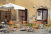 Cafe in the old town of Viterbo, Lazio, central Italy, Italy, southern Europe, Europe