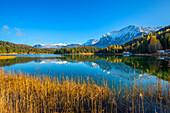Lautersee with Karwendel Mountains, Mittenwald, Wetterstein Mountains, Werdenfelser Land, Bavaria, Germany