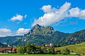Grän mit Aggenstein, Tannheimer Berge, Allgäu, Tirol, Österreich