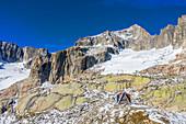 Luftansicht der Sidelenhütte mit Galenstock, Urner Alpen, Kanton Uri, Schweiz