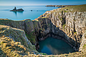 Spectacular cliff top scenery on the Pembrokeshire Coast National Park, Bosherton, Pembrokeshire, Wales, United Kingdom, Europe