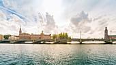 Lilla Vartan, Vasabron mit dem Rathaus im Hintergrund, Stockholm, Schweden, Skandinavien, Europa