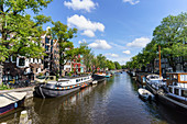 Houseboats on Brouwersgracht Canal, Amsterdam, North Holland, The Netherlands, Europe