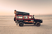 Off-road vehicle on 80 Mile Beach in Western Australia, Australia, Indian Ocean, Oceania;