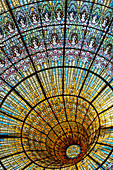 CUPOLA OF THE BIG CENTRAL STAINED GLASS BY ANTONI RIGALT I BLANCH, PALAU DE LA MUSICA CATALANA (PALACE OF CATALAN MUSIC), ARCHITECT DOMENECH I MONTANER, BARCELONA, CATALONIA, SPAIN