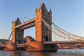 TOWER BRIDGE OVER THE THAMES, LONDON, GREAT BRITAIN, EUROPE