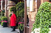 DOORMAN AT THE RUBENS HOTEL PALACE, LONDON, GREAT BRITAIN, EUROPE