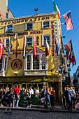 FACADE OF THE PUB RESTAURANT THE OLIVER SAINT JOHN GOGARTY AND ITS FLAGS, FLEET STREET, TEMPLE BAR, DUBLIN, IRELAND