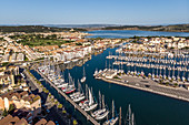 AERIAL VIEW OF THE PORT RIVE DROITE OF GRUISSAN, MARINA, GRUISSAN, AUDE (11), FRANCE
