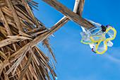 Taucherbrillen am Strand, Varadero, Kuba
