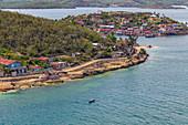 Kleines Dorf am Meer, Santiago de Cuba, Kuba