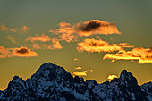 Cloudy mood after sunset over Tannheimer Berge with Köllenspitze and Gimpel, from Tegelberg, Tegelberg, Ammergau Alps, Bavarian Alps, Upper Bavaria, Bavaria, Germany