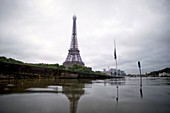 France, Paris, area listed as World Heritage by UNESCO, the flood of the Seine river on June 3, 2016 with a height near 5,80m, the Eiffel Tower
