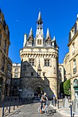 France, Gironde, Bordeaux, area listed as World Heritage by UNESCO, 15th century Gothic Porte Cailhau or Porte du Palais