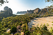 "Sicht vom ""Railay View Point"" im Abendlicht, Railay Halbinsel, Krabi Region, Thailand"