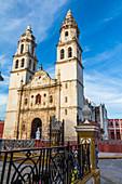 Campeche Cathedral on Plaza de la Independencia, Yucatan Peninsula, Mexico