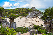 Coastal ruins in the grounds of the Mayan sites of Tulum, Quintana Roo, Yucatan Peninsula, Mexico