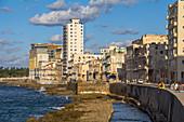 Malecon - Promenade am Wasser. Altstadt von Havanna, Kuba