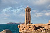Men Ruz Cote de Granit Rose lighthouse